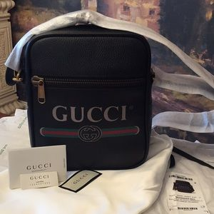 UNISEX BNWT Authentic Gucci Print Messenger Bag